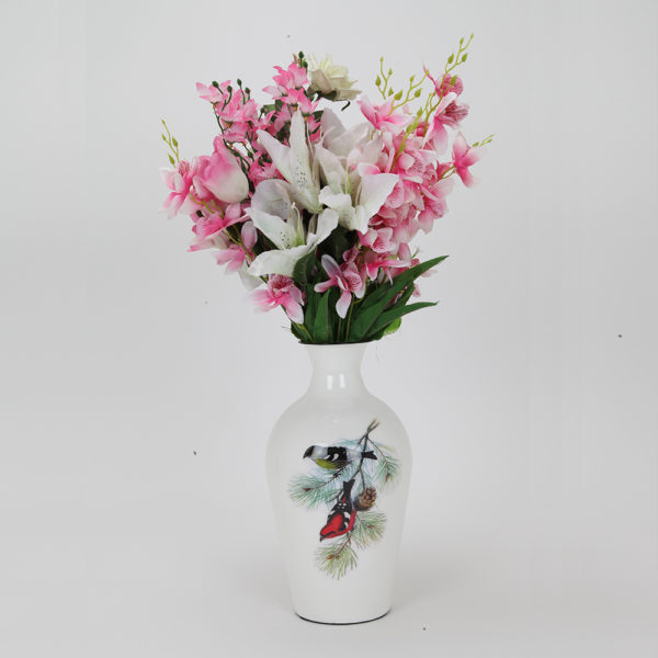 Buy Designer Vase in India to Give a Lovely Effect to House