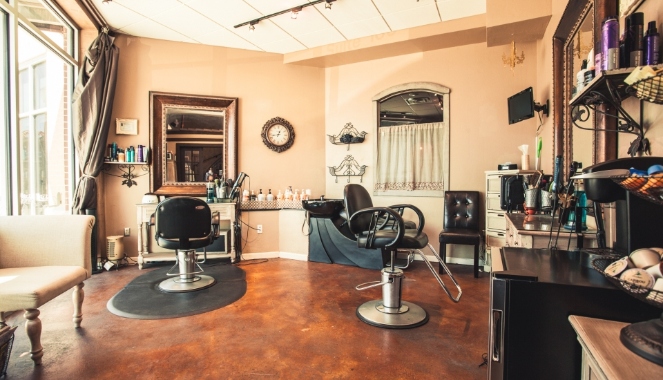 Why Salon Suite Professionals Prefer to be Their Own Boss?