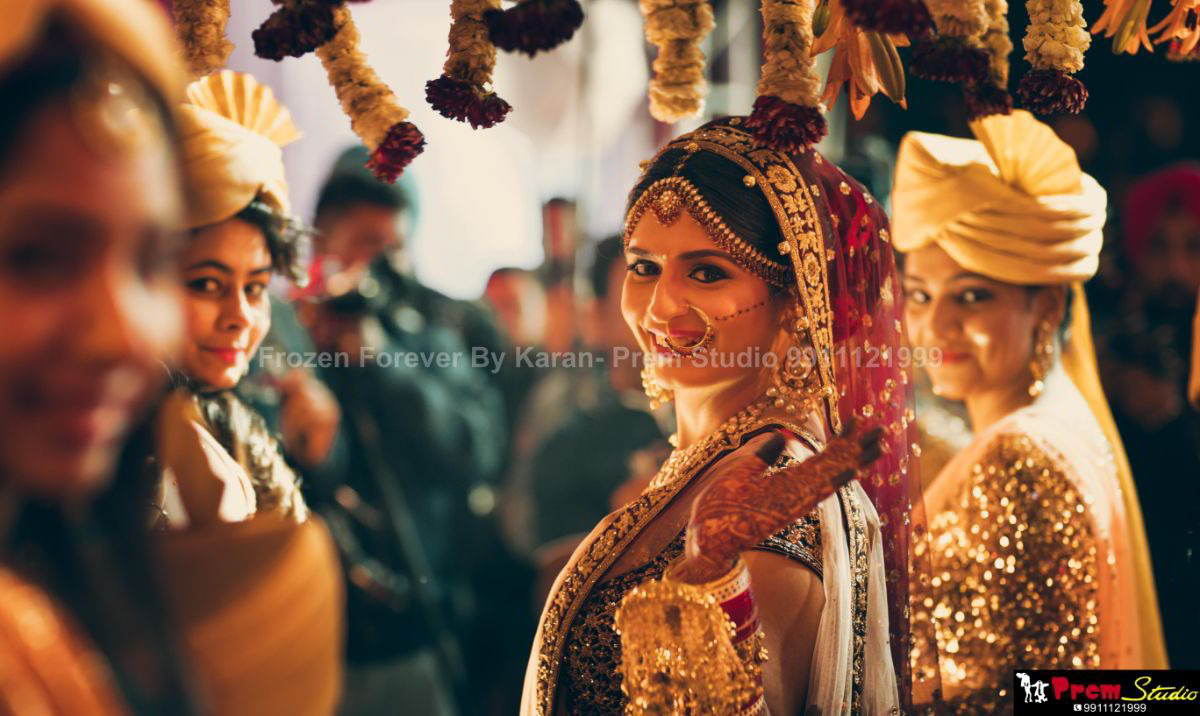 Plan a Perfect Wedding Shoot with Professional Video and Photographers in Delhi