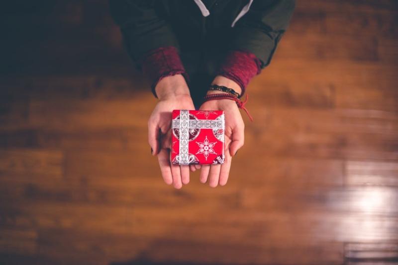 freelancer giving a gift